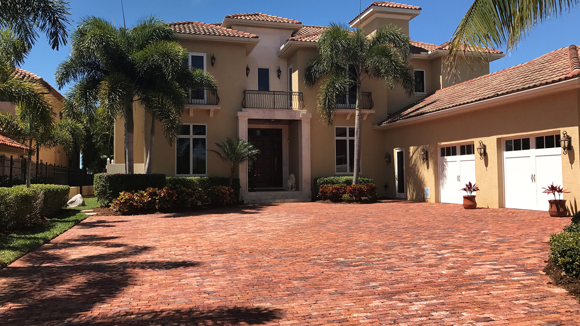 Florida Lawncare & Maintenance Inc. Landscaping Company, Landscaper and Landscaping Services slide 1